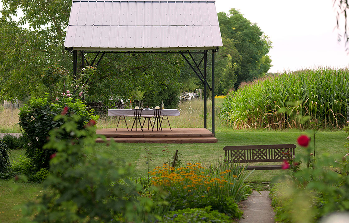 Le parc permet d'amirer le paysage préservé de la vallée du Rhin.